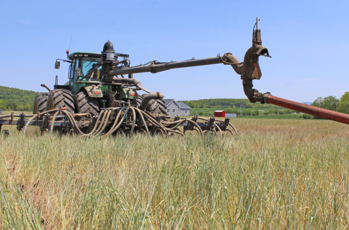 manure dragline system combined with injection equipment