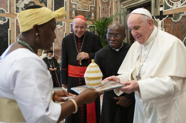 Pope urges Catholic lawmakers to guide technological advances